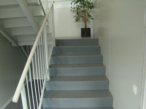 Treppen und Podeste